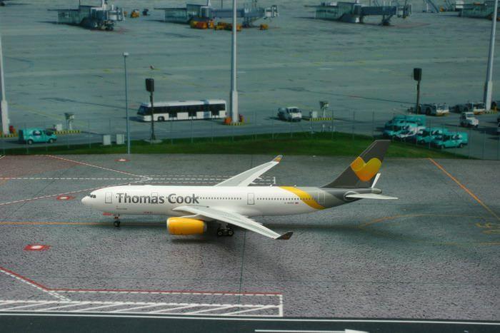 PHOENIX THOMAS COOK A330-200 1/400 NEW LIVERY REG#G-MDBD (**