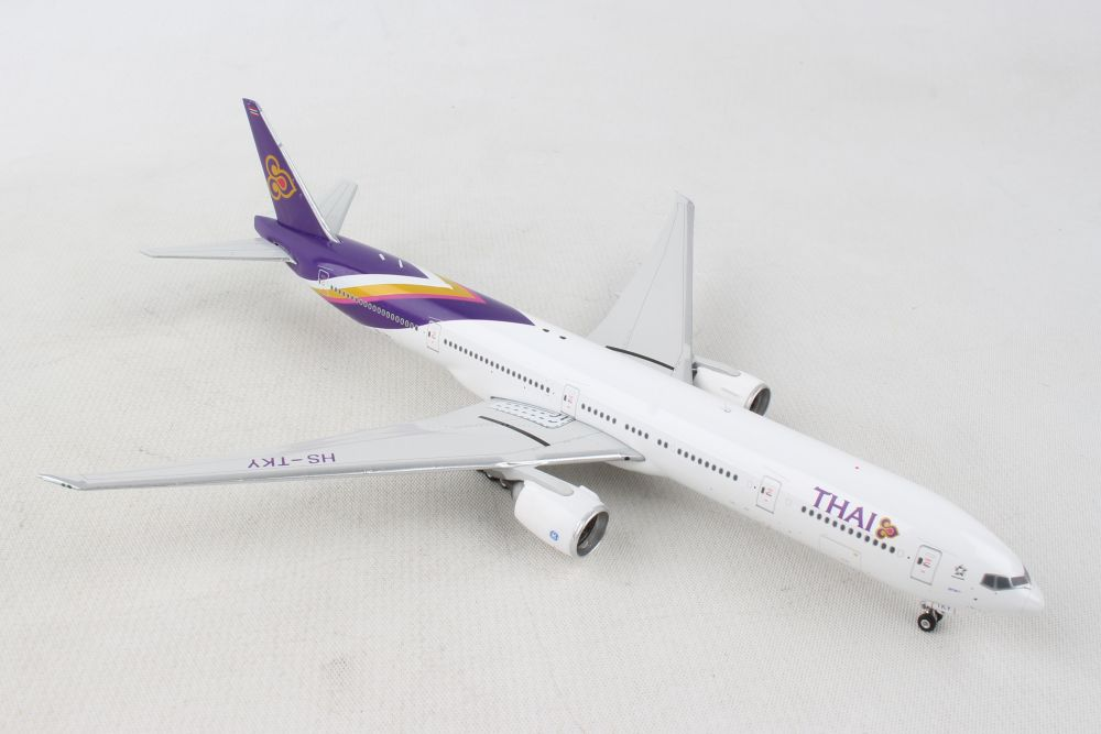 PHOENIX THAI 777-300ER 1/400 REG#HS-TKY